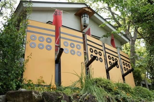 sanada-round-masayuki-sanada-nobushige-sanada-yukimura-nobuyuki-sanada-two-selection-3-people-standin10
