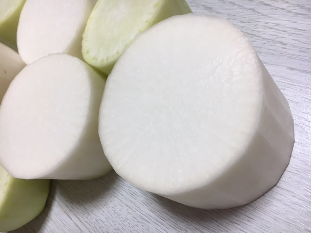 raw daikon works for beautiful skin and cold05