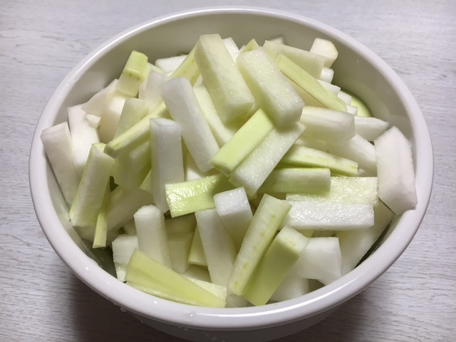 raw daikon works for beautiful skin and cold08